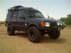Love the discos Land Rover Discovery 1, Best 4x4, Expedition Vehicle, Land Rovers, Car Manufacturers, Range Rover, Edm, Arctic, Offroad