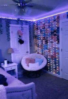 Neon Bedroom, Cute Bedroom Decor, Bedroom Decor For Teen Girls, Room Design Bedroom, Teen Room Decor, Room Ideas Bedroom, Indie Room Decor, Dream Teen Bedrooms, Bedroom Inspo