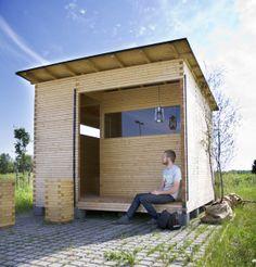 Oulu-lehti-12-6-2013-Luona-pihasauna Sauna House, Tiny House Cabin, Outdoor Sauna, Outdoor Baths, Massage Room Design, Sauna Shower, Prefab Sheds, Sauna Design, Finnish Sauna