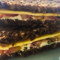 Vegan cheese & cream cheese Vegan Kitchen, Vegan Cheese, Cheesesteak, Free Food, Cream, Ethnic Recipes, Creme Caramel, Chowder, Sour Cream