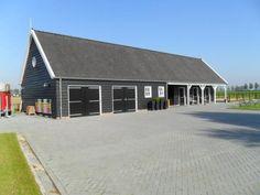 Houten schuur met paardenstal Sint Maartensdijk - Aannemers- en timmerbedrijf Roozemond | Bouwen en verbouwen op Tholen, West-Brabant en Zeeland