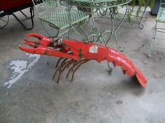Am Gartenteich macht sich unser Lobster extrem gut...