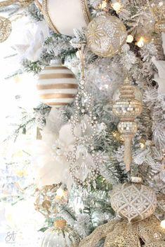 Glam White & Gold Living Room Christmas Tree & Mantel - Summer Adams Glam White & Gold Living Room C