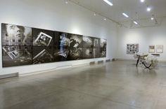 Vista de Sala, Nicolás Franco (centro). Colección Juan Yarur: Un relato personal. Vista de instalación en el MAC Parque Forestal, 2013. Foto...