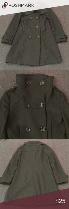 H&M Trench Coat H&M black trench coat. Great condition! All original buttons. Can be worn with oversized collar unbuttoned or buttoned up. Two usable pockets on the front. Will post photos of me wearing upon request : ) H&M Jackets & Coats Trench Coats