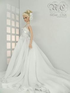 why dont they make actual wedding gowns like this!!!???