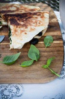 Italská quesadilla   pazitka.cz Quesadilla, Bread, Food, Quesadillas, Brot, Essen, Baking, Meals, Breads