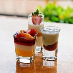 Street Food, Cuisine du Monde: Recette express de verrine pudding à la vanille, tiny dessert cake, crème (Etats-Unis)