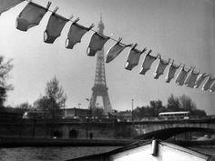 Robert DOISNEAU :: La lessive du marinier, 1961