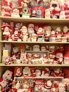 Welcome to the Santa Show ... so many vintage santas!!! Bebe'!!! Great collection!!! I have about 350 Santa's in my collection!!!