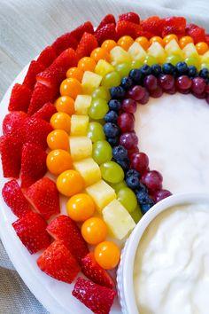 Rainbow Fruit Salad with a Twist Rainbow Birthday Foods, Fruit Birthday, Trolls Birthday Party, First Birthday Cakes, Rainbow Unicorn Party, Unicorn Birthday Cakes, Barney Birthday Party, 1st Birthday Foods, Rainbow Dash Party