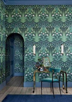 This bold & beautiful Bluebell Wallpaper by Cole and Son forms part of the new Botanical Botanica Collection and features a fretwork of wild field flowers in a sophisticated Art Nouveau style. Chinoiserie Wallpaper, Wallpaper Art Deco, Bold Wallpaper, Botanical Wallpaper, Wallpaper Direct, Designer Wallpaper, Wallpaper For Walls, Interior Design Wallpaper, 1920s Interior Design