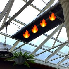 It might be raining  outside. The glass roof on the atrium is a beautiful spot to watch it from. The heaters are on and it's warm as toast out there. See you for lunch!  #ballarat #ballarateats #oscarshotel #oscarsatrium #lunch #keepsummeralive