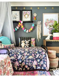 Boho Dining Room Decor - How can I make a small dining room look bigger? Boho Dining Room Decor - What is a good color for a dining room? Teen Bedroom, Bedroom Wall, Bedroom Decor, Wall Decor, Style Boho, Boho Chic, Shabby Chic Salon, Deco Boheme Chic, Leelah