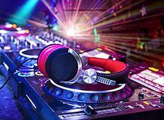 Wedding DJ in Cardiff   The No-Fail Party Playlist: Old Skool R&B