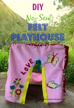 DIY no sew felt playhouse
