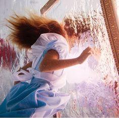 Elena Kalis - Alice In The Waterland