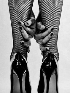 Bouidor Photography, Boudoir Photography Poses, Boudior Poses, Shooting Photo Boudoir, Boudoir Pics, Frauen In High Heels, Black High Heels, Sexy Feet, Stiletto Heels
