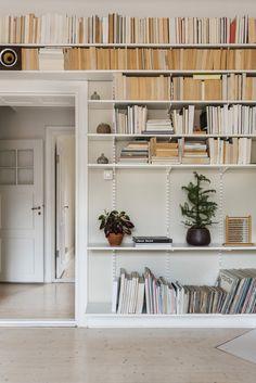bookshelf Erstagatan 26 | Fantastic Frank