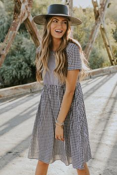 This gingham dress wants to tag along on all your adventures this season! The St. Louis Gingham Dress is fully lined and features short sleeves, hidden side pockets and a keyhole button closure back. This dress is a perfect autumn staple to your wardrobe! Modest Summer Outfits, Modest Dresses, Cute Dresses, Summer Dresses, Church Dresses For Women, Church Outfits, Dresses For Teens, Church Clothes, Dress Outfits
