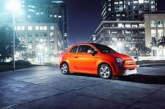 Fiat 500 adds electric and big versions to lineup  http://phys.org/news/2012-11-fiat-electric-big-versions-lineup.html