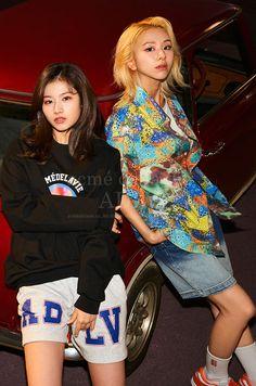 South Korean Girls, Korean Girl Groups, Sana Kpop, Independent Clothing, Sana Minatozaki, Chaeyoung Twice, Twice Kpop, Twice Sana, Nayeon