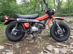 1975 Suzuki RV125 Four Wheelers, Mini Bike, Triumph Motorcycles, Vintage Bikes, Dirt Bikes, Bike Trails, Scrambler, T Rex, Vespa