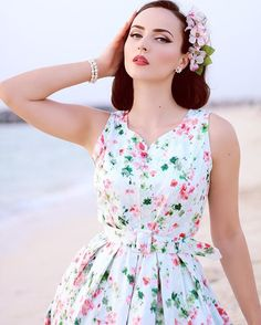 I pretty pastel floral fabrics! Limited edition of this beautiful floral dress by will be available in their webshop soon! Hairpiece by Cute Fashion, Look Fashion, Retro Fashion, Vintage Fashion, Fashion Outfits, Fashion Tips, 50s Dresses, Vintage Dresses, Vintage Outfits
