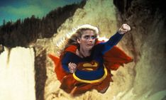 Helen Slater and Melissa Benoist in Supergirl Helen Slater Supergirl, Supergirl 1984, Supergirl Movie, Superman Film, Batman And Superman, Comic Movies, Comic Books, Comic Art, Supergirl Pictures