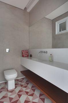 Banheiros modernos por Cerejeira Agência de Arquitetura
