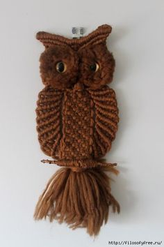 Risultati immagini per large macrame owl wall hanging Macrame Owl, Micro Macrame, Owl Patterns, Macrame Patterns, Owl Crafts, Yarn Crafts, Macrame Projects, Crochet Projects, Snood Pattern