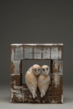 Romantic love in art, sculpture and clay Ceramic Animals, Ceramic Birds, Clay Animals, Ceramic Pottery, Ceramic Art, Pottery Sculpture, Bird Sculpture, Owl Art, Bird Art