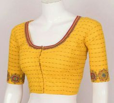 Simple Embroidery Designs, Simple Blouse Designs, Embroidery Patterns, Hand Embroidery, Kurta Designs, Saree Blouse Designs, Blouse Patterns, Blouse Styles, Designer Blouses Online