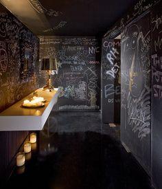 Angels & Kings Club Toilets