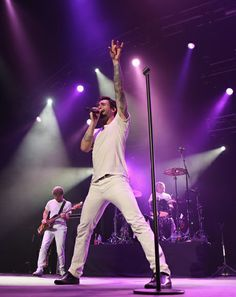 White outfits at the Maroon 5 Concert