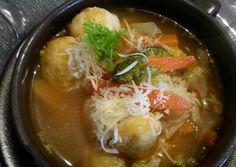 Sajtgombócleves recept foto Ramen, Supe, Ethnic Recipes, Food, Essen, Meals, Yemek, Eten