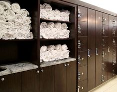 Locker Room Amenities - Hollman Lockers Having a fit and fit body is desirable by Bathroom Storage, Locker Storage, Yoga Room Design, Gym Design, Gym Towel, Fitness Facilities, Gym Room, Clinic Design, Spa Rooms