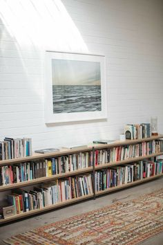 Home Library Design, House Design, Low Bookshelves, Style Deco, Home Libraries, My New Room, Home And Living, Living Spaces, Living Room