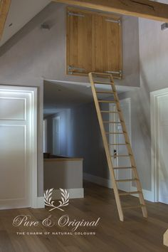 Kalkverf / Lime Paint color Soft Taupe. Project by  http://www.nstyling.nl/