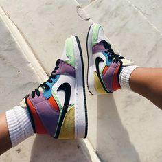# Outfits tenis Air Jordan 1 Mid SE Lightbulb Multicolor On Feet Sneakers Mode, Cute Sneakers, Sneakers Fashion, Fashion Shoes, Colorful Sneakers, Girls Sneakers, Jordan Shoes Girls, Girls Shoes, Jordan Outfits