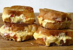 The Old Lady from Grilled Cheese Social: baguette, sriracha, and gouda/cheddar pimento cheese Best Grilled Cheese, Grilled Cheese Recipes, Grilled Cheeses, Grill Cheese Sandwich Recipes, Soup And Sandwich, Grilled Sandwich, Sauces, Tasty, Yummy Food