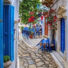 Blue accents and Grecian ones in #Tinos #Greece. Photo courtesy of danielodyssey1 on Instagram.
