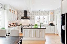 Lovely Deco: Une grande cuisine lumineuse