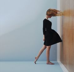 Would love to setup fans a walls for something like this!! Lissy Elle Laricchia: Defying Gravity