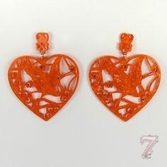 Orecchini cuore in plastica dura lavorata, su www.7accessori.it