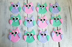 Owl Cupcake or Cookie Toppers. These Custom Owls by VanillaRoom