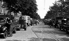 June 3, 1940. Trucks to be confiscated by the German authorities lined up on the Amstelveenscheweg in Amsterdam. ANPFOTO/J.D. Noske #amsterdam #worldwar2