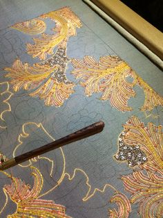 Brodeur Bear Tambour Beading, Tambour Embroidery, Couture Embroidery, Embroidery Patterns, Hand Embroidery, Crazy Quilting, Gold Work, Sewing Box, Diy Clothing