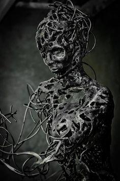 Escultura de bailarina by Regardt van der Meulen #diseño #escultura
