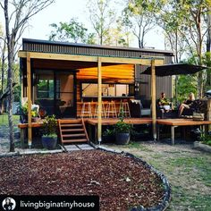 Las Vegas NV Homes for Sale and Real Estate. James Beers specializes in Homes and Listings, representing both Home Buyers and Home Sellers. Best Tiny House, Modern Tiny House, Tiny House Cabin, Small House Design, Tiny House Living, Modern House Plans, Cabin Homes, Small House Plans, Tiny Homes